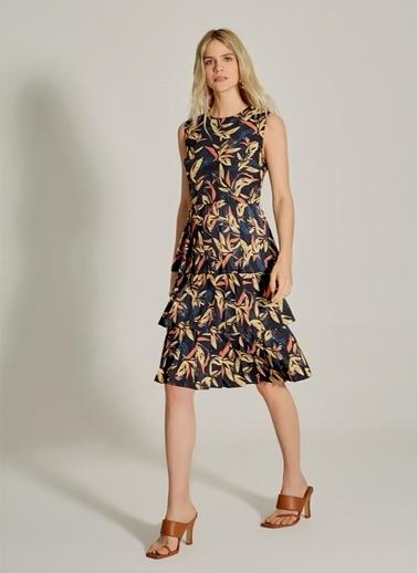 NGSTYLE Desenli Eteği Geniş Pilili Midi Elbise Lacivert